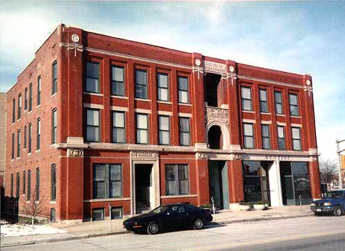 Emilie Building - Picture of a well-maintained historic apartment building in Indianapolis, Indiana